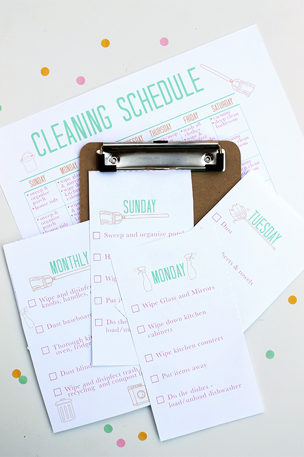 Clean and fresh, these printables have a separate page for each day of the week!