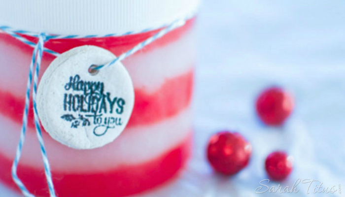 Looking to make some fun holiday gifts on the cheap? Try this Holiday Candy Cane Sugar Scrub...the PERFECT gift this holiday season!