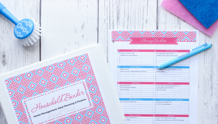 If you're an organization freak like me who just loves having everything all nice and tidy in one spot, this household binder free printables set is for you!