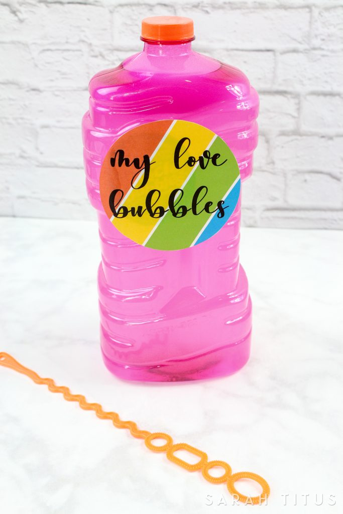 This Love Bubbles Gift Idea Free Printable is so simple but also so fulfilling. Children love and enjoy playing with bubbles so much. Plus it's a cool and fun activity for all year around!