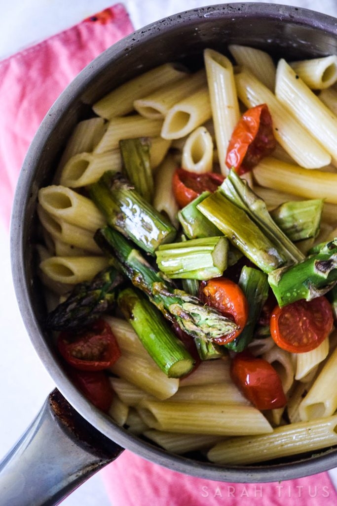 This Roasted Veggies Pasta is a quick and healthy recipe that is perfect for busy weekday evenings. It is also a great way to add more vegetarian meals to your diet!