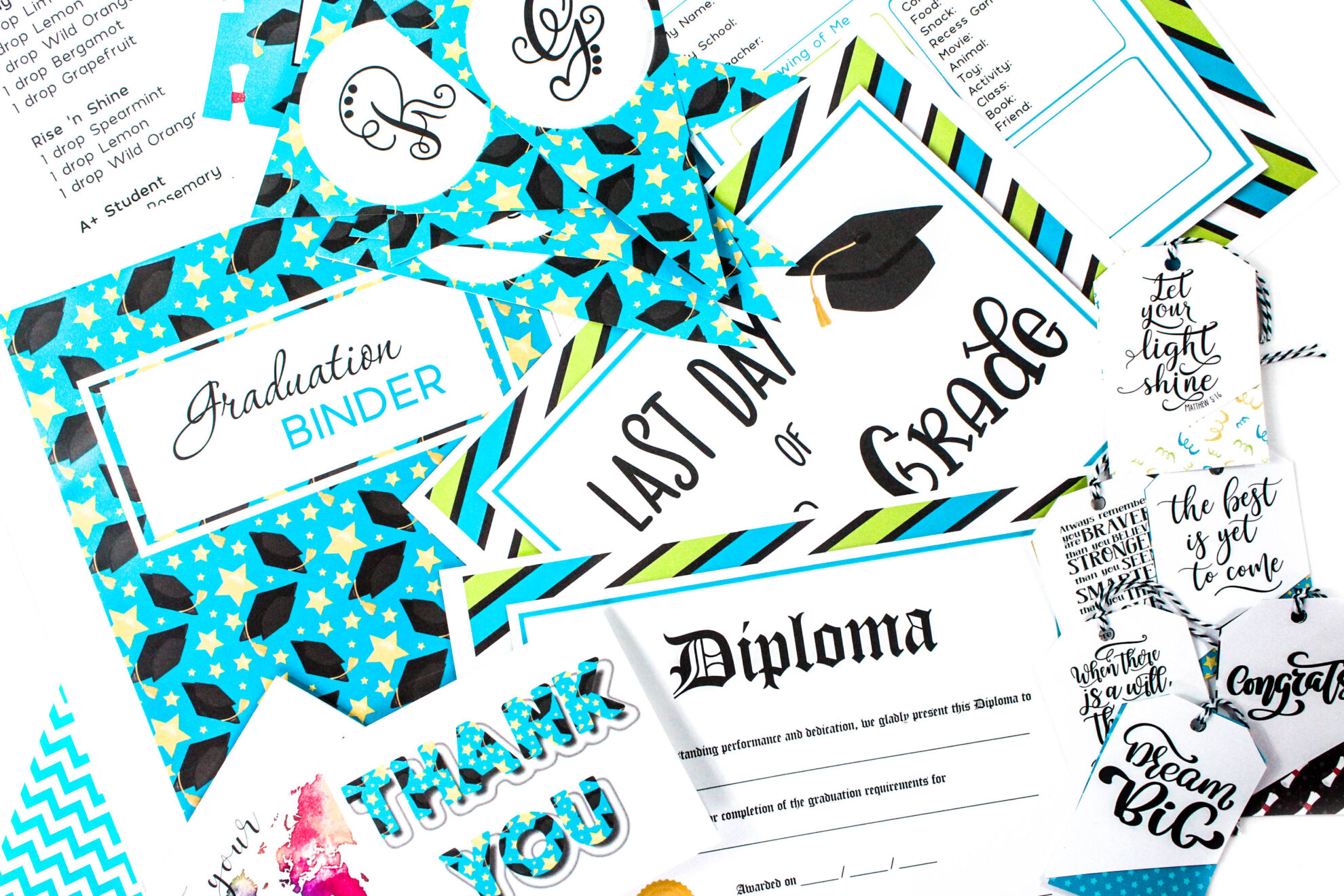 Celebrate your child's graduation with this brand new 160+ page Graduation Binder! #graduationbinder #graduationprintables #graduationcards #graduationgifts