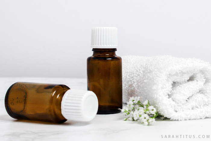 Want to get started with essential oils but unsure what you should know? This list of 10 Things You Should Know Before Using Essential Oils is the perfect place to start! #essentialoils #eos #learnessentialoil #beforeusingessentialoils #beforeuseessentialoils